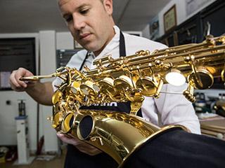 luthier de viento Raúl Salamanca