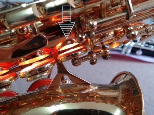 Rectificado y nivelado de los orificios del cuerpo del saxofón